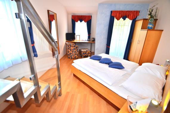 hotelzimmer graz umgebung, doppelzimmer almenland, hotelzimmer teichalm, hotelzimmer fladnitz, hotelzimmer rechberg-Pröllhofer Zimmer Kopfbild